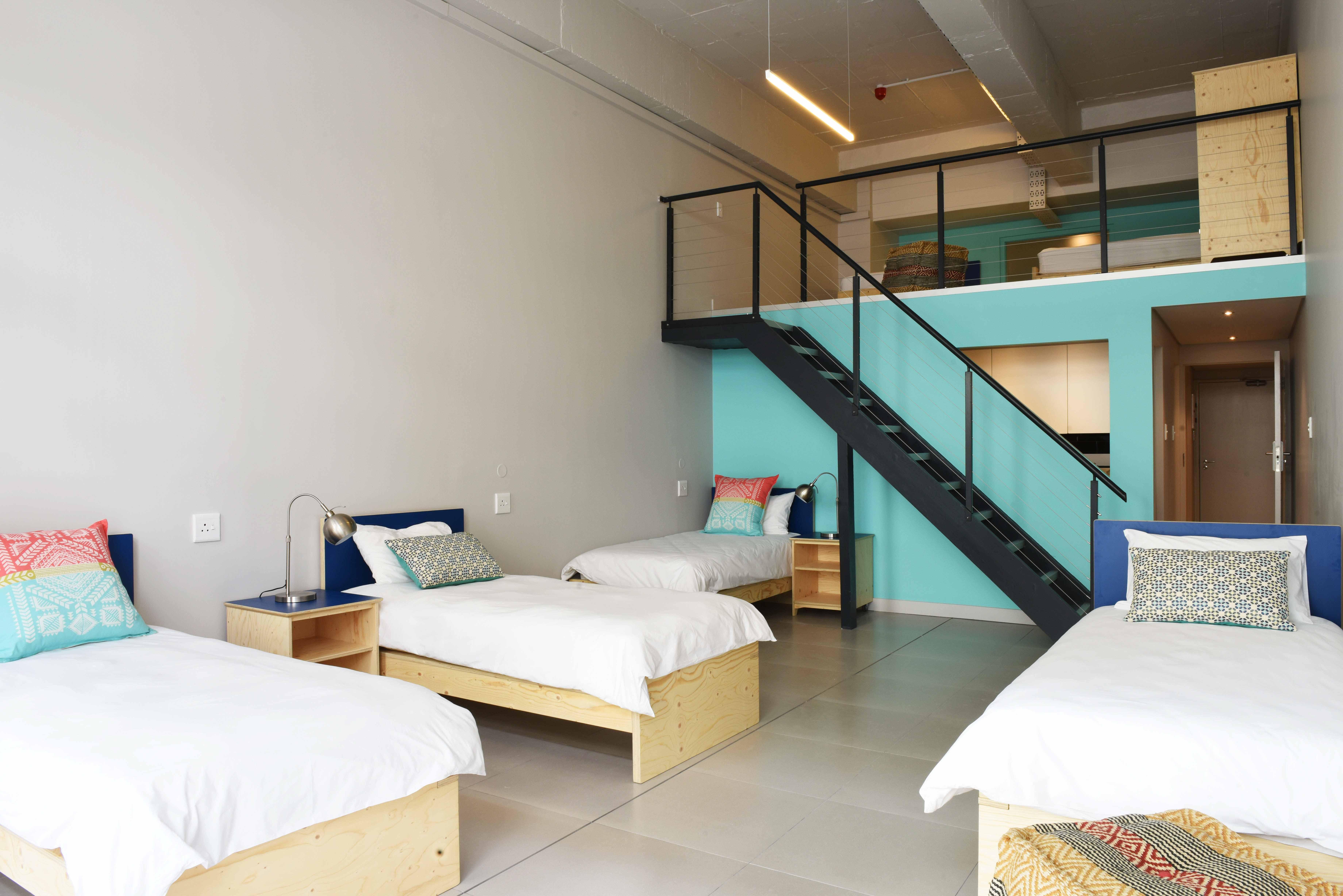 7 Bed Deluxe Dorm Sea View