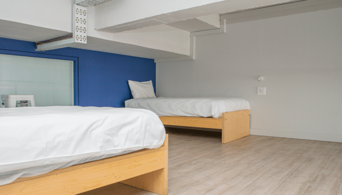 6-Bed Deluxe Mixed Dorm - Street View (6)